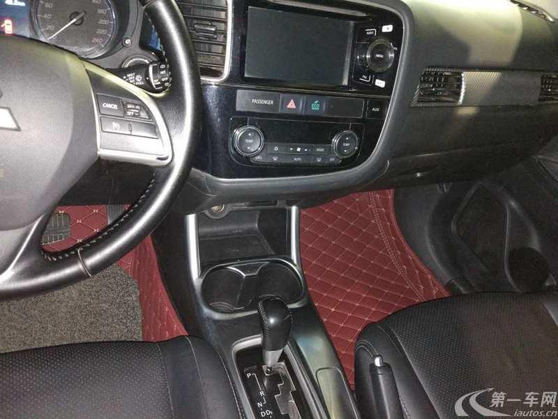 三菱欧蓝德 [进口] 2013款 2.4L 自动 四驱 豪华导航版