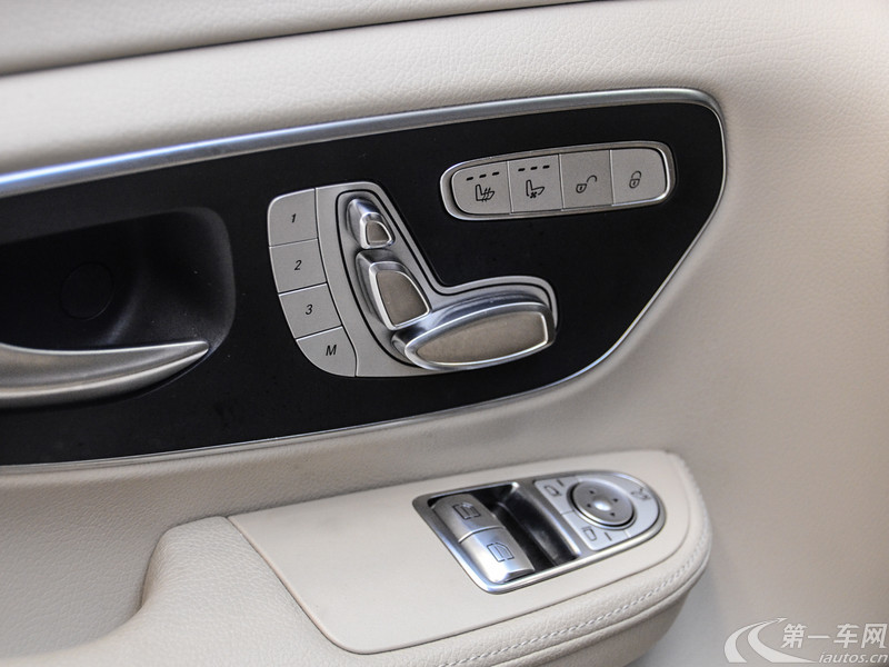 奔驰V级 2016款 2.0T 自动 V260尊贵版 (国Ⅴ)