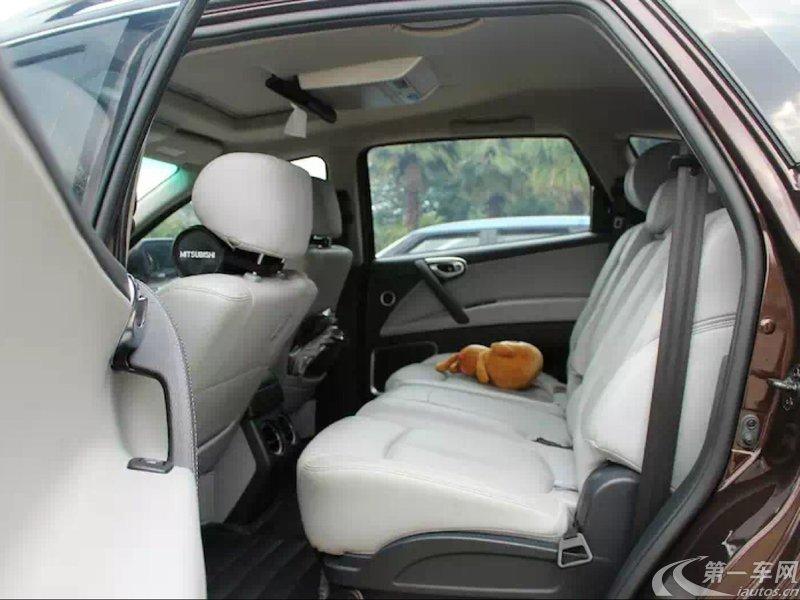 纳智捷大7 SUV 2013款 2.2T 自动 四驱 锋芒进化智尊 (国Ⅳ)