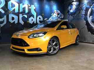 福特福克斯 ST 2.0T 手动 橙色版