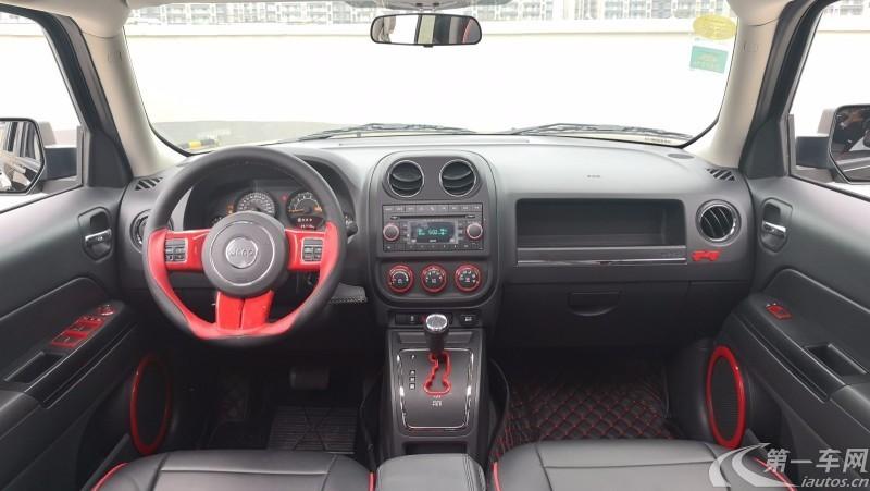 吉普自由客 [进口] 2014款 2.4L 自动 四驱 改款豪华导航版