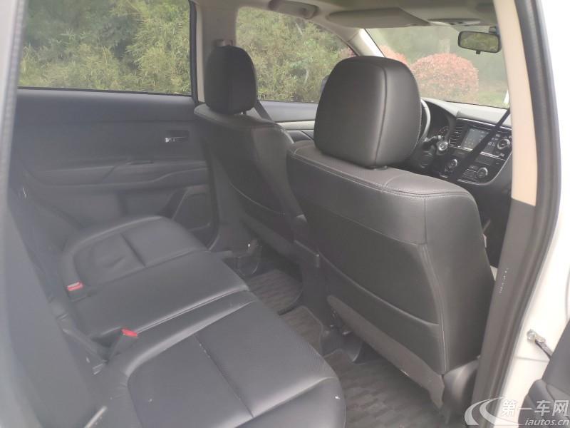 三菱欧蓝德 [进口] 2014款 2.4L 自动 四驱 精英GT超值版 (欧Ⅴ)