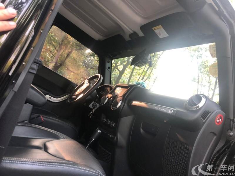 吉普牧马人 [进口] 2017款 3.0L 自动 四驱 舒享版Sahara