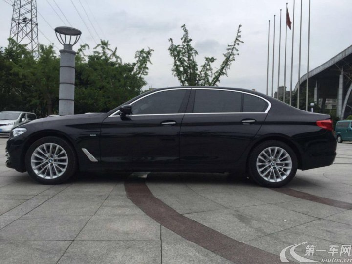 宝马5系 525Li 2019款 2.0T 自动 汽油 豪华套装 (国Ⅴ)