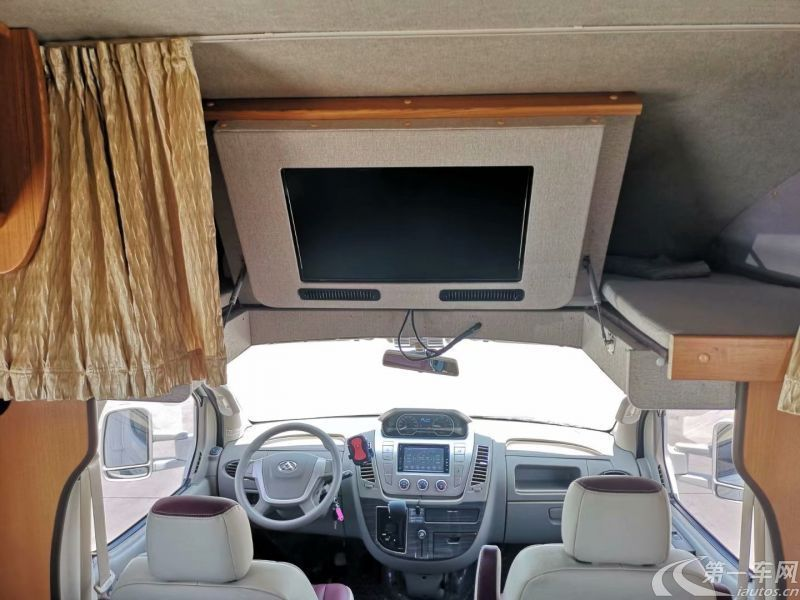 MAXUS迈克萨斯RV80 2017款 2.5T 自动 前驱 C型豪华版房车 (国Ⅴ)