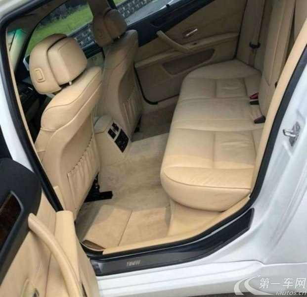 宝马5系 520Li 2010款 2.0L 自动 汽油 豪华型 (国Ⅳ)