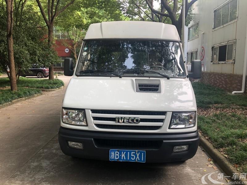 依维柯依维柯 2016款 2.5T 手动 客车低顶 (国Ⅴ)
