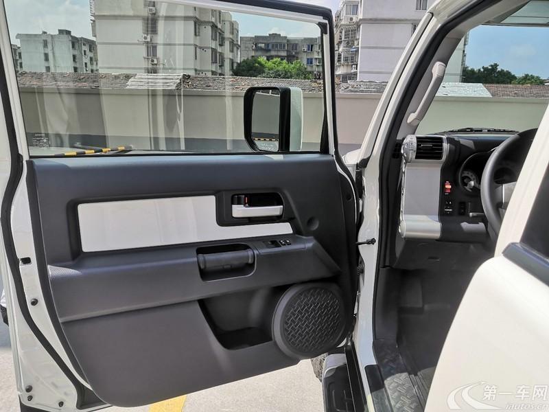 丰田FJ酷路泽 [进口] 2018款 4.0L 自动 四驱 中东版平行进口 (欧Ⅴ)