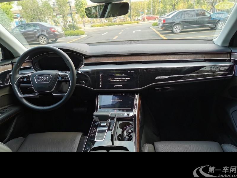 奥迪A8L 55 [进口] 2018款 3.0T 自动 汽油 豪华型