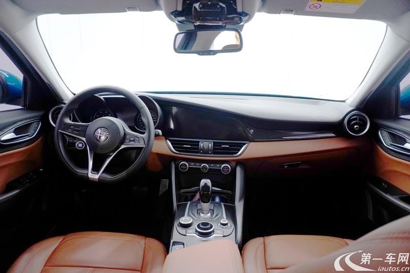 阿尔法罗密欧Giulia [进口] 2017款 2.0T 自动 精英版