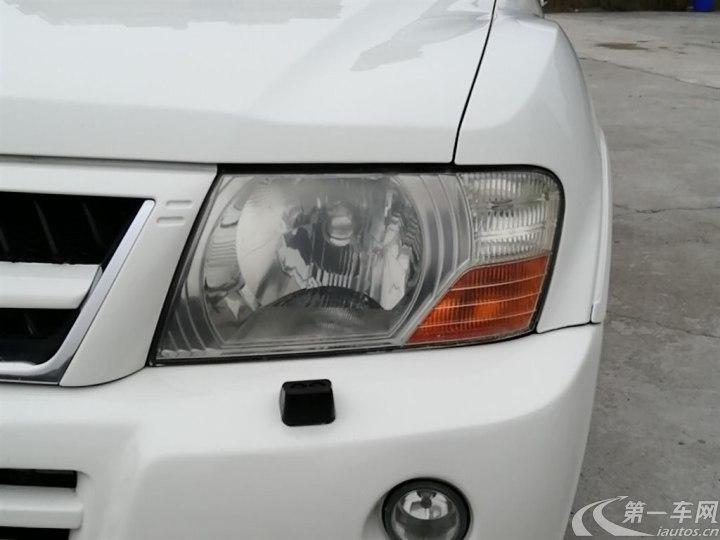 三菱帕杰罗 2004款 3.0L 自动 四驱 GLX (国Ⅱ)