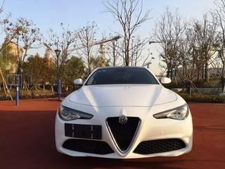 阿尔法罗密欧Giulia 2.0T 自动 豪华运动版