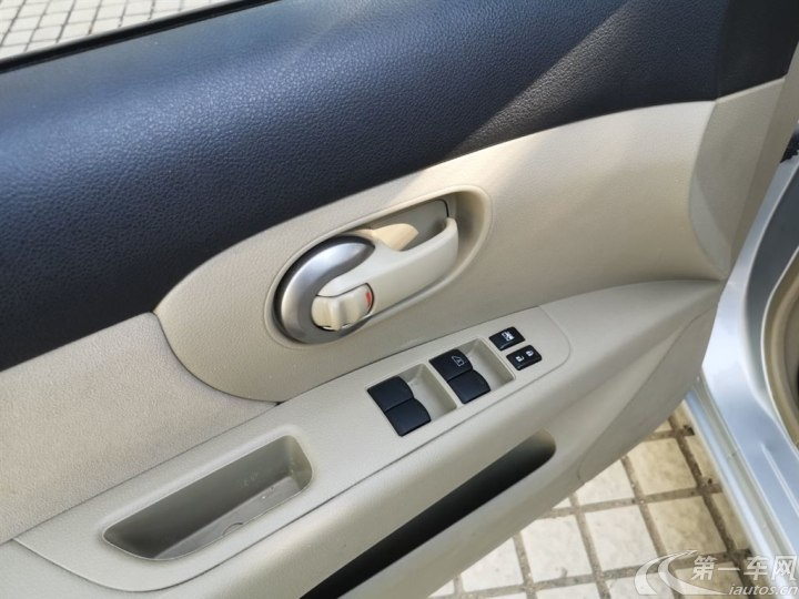 日产骊威 2015款 1.6L 自动 XE舒适版 (国Ⅴ)