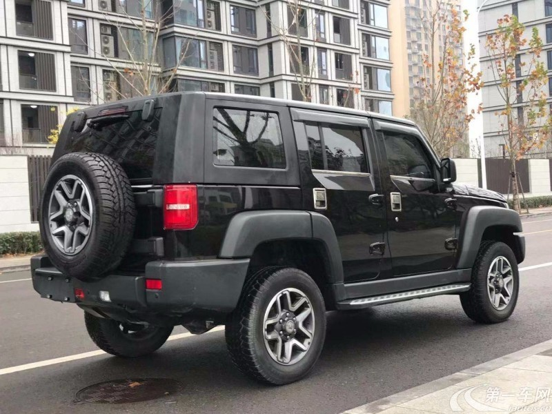 北京汽车40 2016款 2.3T 自动 后驱 尊贵版 (国Ⅴ)