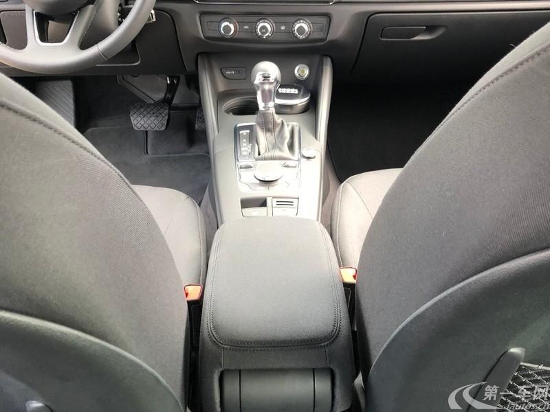 奥迪A3 35TFSI 2018款 1.4T 自动 进取型30周年Limousine (国Ⅴ)