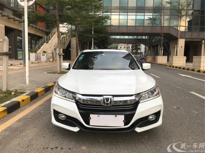 本田雅阁 2016款 2.0L 自动 舒适版 (国Ⅴ)